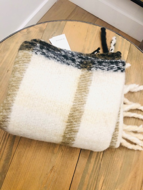 Byvalna scarf